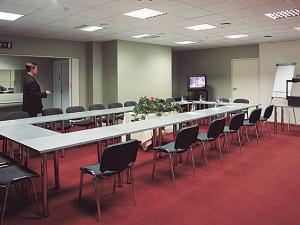 Punane konverentsisaal