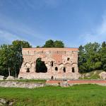 Viljandi ordulinnuse varemed